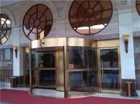 金属旋转门安装施工应注意的质量问题